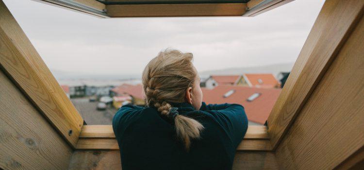 Co należy wiedzieć o oknach dachowych?